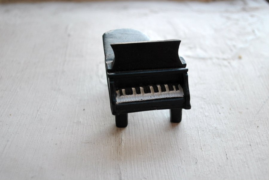"""Mini Piano"" Decoration-a gift."